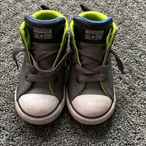 Converse size 9 toddler shoes